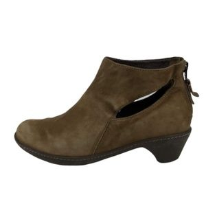 Dansko Bonita Cut Out Ankle Boots EUR 36